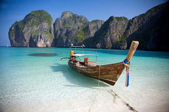 Bãi biển nổi tiếng Thái Lan buộc phải đóng cửa - Ảnh 1.