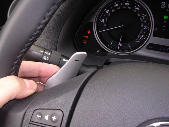 8 trang bị trên xe ô tô không mấy hữu dụng - Ảnh 4.