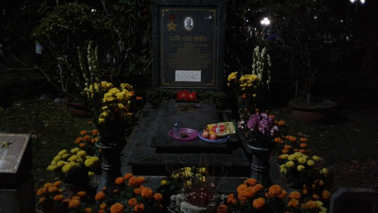 Đầu năm, tấp nập người viếng mộ chị Sáu và tham quan nhà tù Côn Đảo - Ảnh 9.