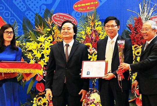 Bộ trưởng Bộ Y tế Nguyễn Thị Kim Tiến được phong giáo sư - Ảnh 2.