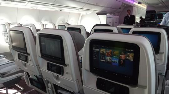 Xem siêu máy bay A350 XWB-1000 trình diễn ở Hà Nội - Ảnh 6.