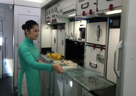 Xem siêu máy bay A350 XWB-1000 trình diễn ở Hà Nội - Ảnh 8.