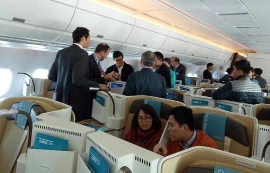 Xem siêu máy bay A350 XWB-1000 trình diễn ở Hà Nội - Ảnh 5.