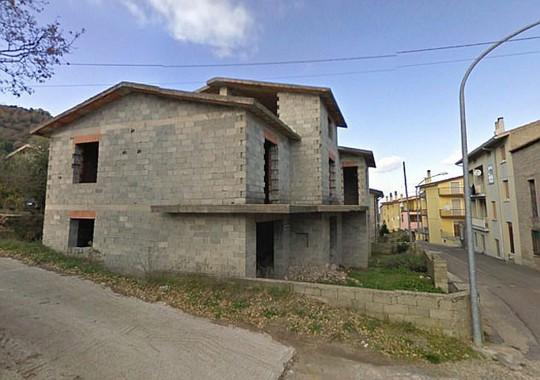 Thị trấn xinh đẹp ở Ý bán 200 căn nhà với giá một bảng - Ảnh 2.