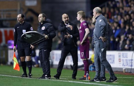 Bàn thua muộn khiến Man City bị loại khỏi FA Cup - Ảnh 9.