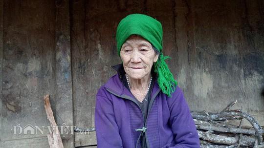 Ngôi làng 100% hộ nghèo nhưng nhà nào cũng làm bằng gỗ quý pơmu - Ảnh 6.
