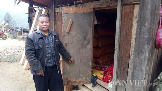 Ngôi làng 100% hộ nghèo nhưng nhà nào cũng làm bằng gỗ quý pơmu - Ảnh 7.