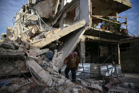 """Syria: Người dân Đông Ghouta """"chờ chết"""" dưới làn sóng không kích - Ảnh 1."""