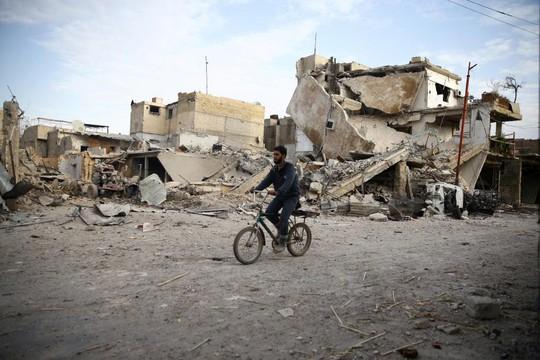 """Syria: Người dân Đông Ghouta """"chờ chết"""" dưới làn sóng không kích - Ảnh 2."""