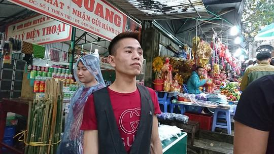 Hàng nghìn người xuyên đêm trẩy hội chùa Hương - Ảnh 14.