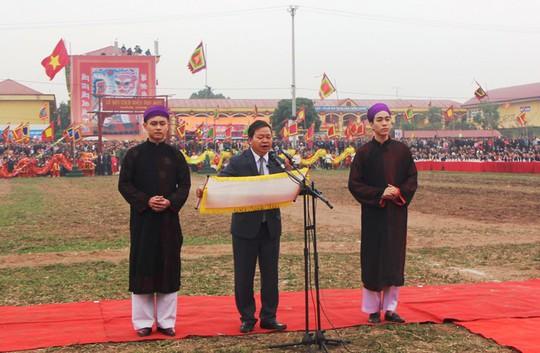 3 trâu đoạt giải trang trí vinh dự cày ruộng trong lễ hội Tịch Điền - Ảnh 1.
