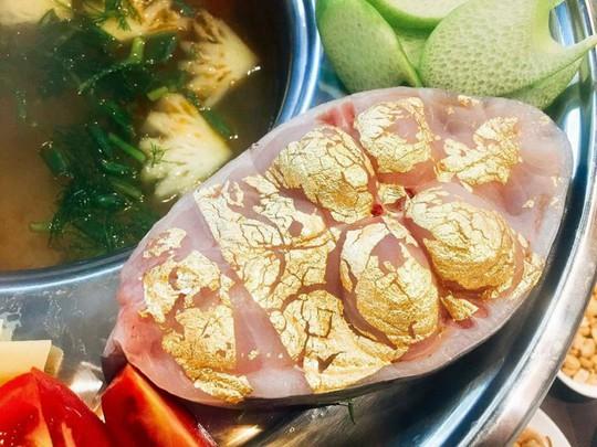 Món ăn dát vàng 24k gây tò mò trong ngày Thần Tài - Ảnh 2.