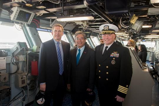 Đại sứ Việt Nam lần đầu tiên thăm tàu sân bay Mỹ - Ảnh 4.