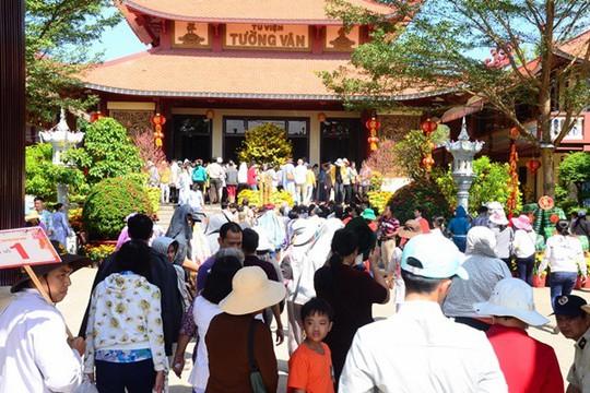 Hướng dẫn di chuyển về 10 ngôi chùa ở miền Tây cầu an đầu năm - Ảnh 1.