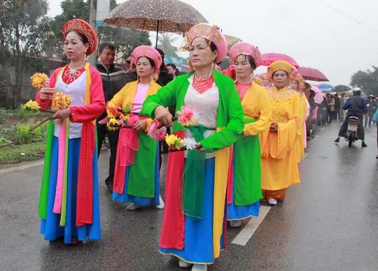 Độc đáo lễ hội cầu ngư - rước cá sủ vàng - Ảnh 2.