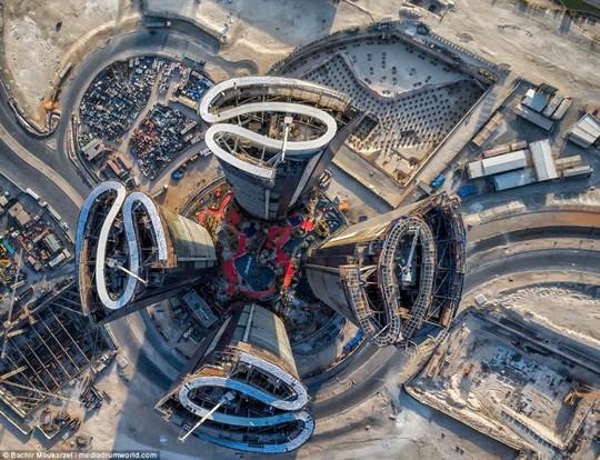 Kiến trúc đẹp mê hồn của thành phố Dubai từ trên cao - Ảnh 1.