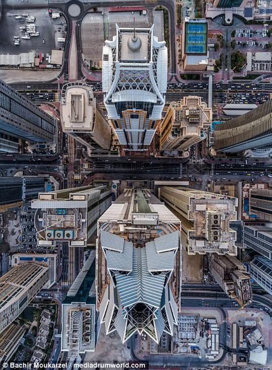Kiến trúc đẹp mê hồn của thành phố Dubai từ trên cao - Ảnh 2.