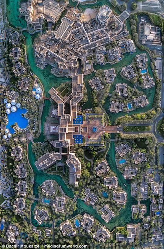 Kiến trúc đẹp mê hồn của thành phố Dubai từ trên cao - Ảnh 12.