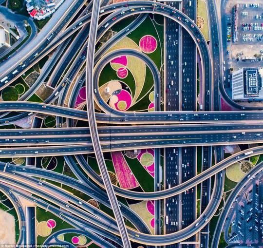 Kiến trúc đẹp mê hồn của thành phố Dubai từ trên cao - Ảnh 15.