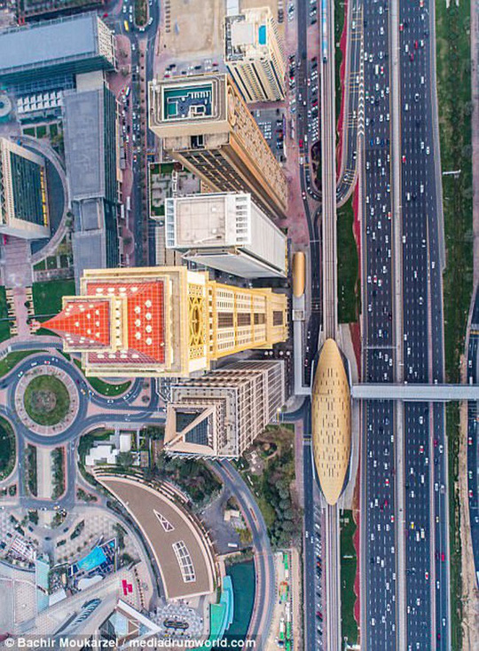 Kiến trúc đẹp mê hồn của thành phố Dubai từ trên cao - Ảnh 3.