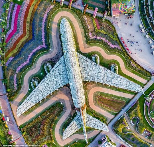 Kiến trúc đẹp mê hồn của thành phố Dubai từ trên cao - Ảnh 4.