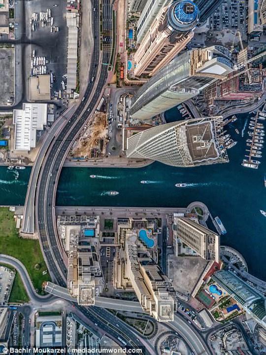 Kiến trúc đẹp mê hồn của thành phố Dubai từ trên cao - Ảnh 5.