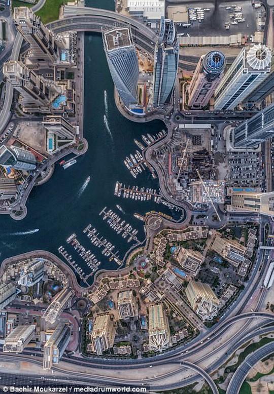 Kiến trúc đẹp mê hồn của thành phố Dubai từ trên cao - Ảnh 8.