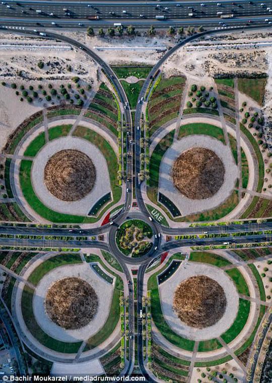 Kiến trúc đẹp mê hồn của thành phố Dubai từ trên cao - Ảnh 9.