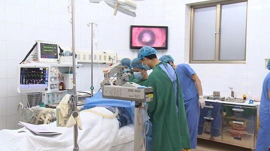 Giác mạc bé Hải An qua đời vì ung thư được ghép cho 2 người - Ảnh 1.