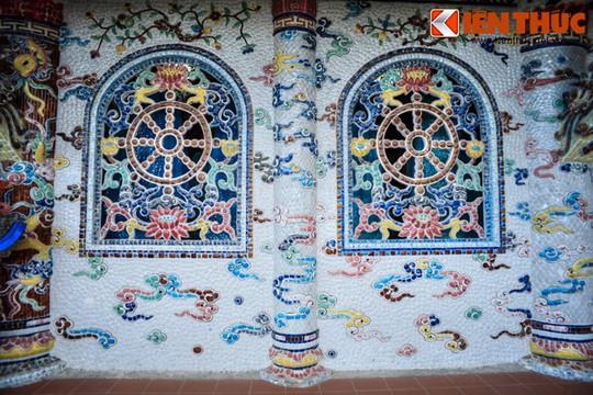Khám phá ngôi chùa ve chai nổi tiếng ở Đà Lạt - Ảnh 3.