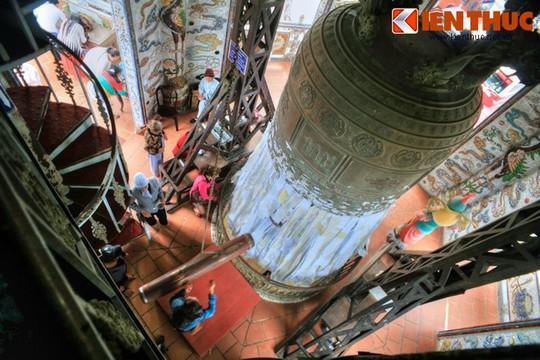 Khám phá ngôi chùa ve chai nổi tiếng ở Đà Lạt - Ảnh 8.