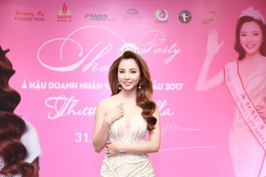 Dàn sao Việt chúc mừng Á hậu Thương Bella - Ảnh 1.