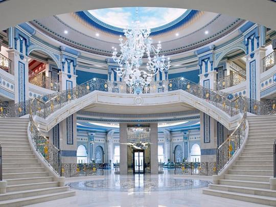 Bên trong khách sạn giam giữ hoàng thân Ả-rập 2 tháng - Ảnh 14.