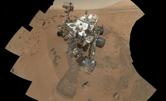Độc đáo ảnh tự sướng trên… Sao Hỏa - Ảnh 2.