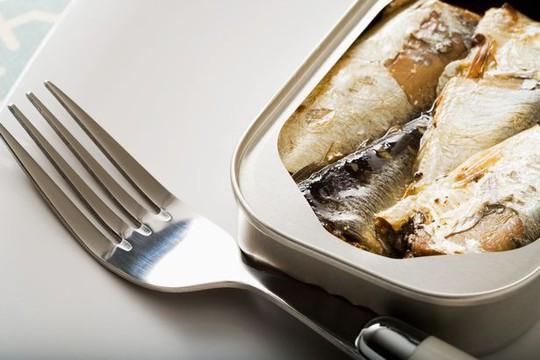 Ăn cá sẽ hết lo âu, trầm cảm - Ảnh 1.