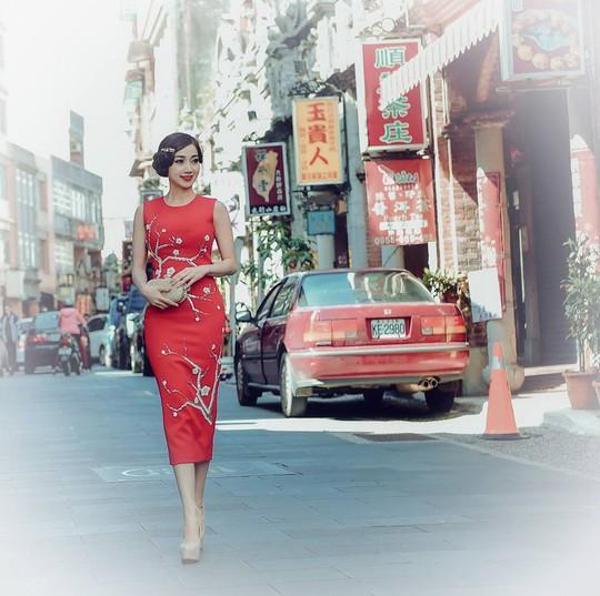 Hoa hậu Hồng Tươi xinh đẹp bên Nam vương Nguyễn Hải Quân - Ảnh 4.