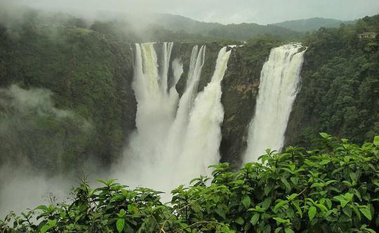 10 thác nước kì vĩ nhất thế giới - Ảnh 1.
