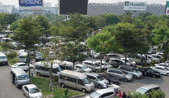 Đi xe 16 chỗ tới đón đúng 1 Việt kiều ở sân bay Tân Sơn Nhất - Ảnh 5.