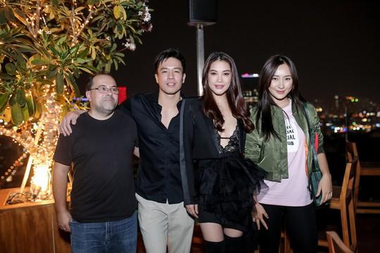 Trương Ngọc Ánh sexy ra mắt phim mới - Ảnh 3.
