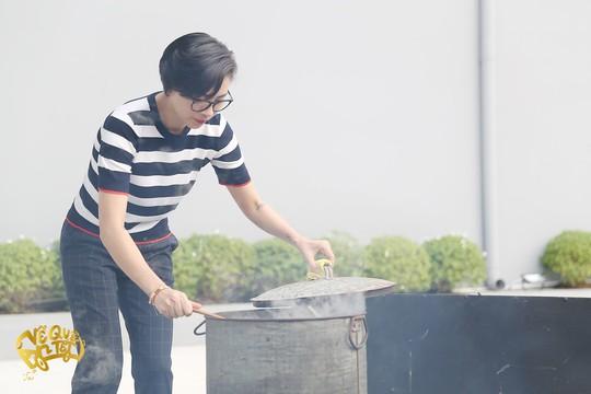 Ngô Thanh Vân, Jun Phạm nấu bánh chưng tặng người nghèo - Ảnh 8.
