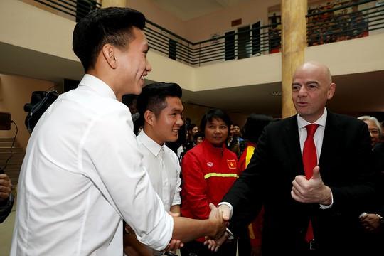 Nói thẳng: Bóng đá Việt không phát triển thì VFF có lỗi lớn với dân! - Ảnh 1.