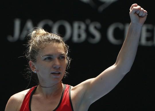 Sharapova bị loại, Halep thoát hiểm sau gần 4 giờ - Ảnh 4.