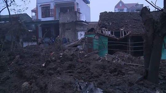 Bắc Ninh: Nổ lớn vùi lấp 5 ngôi nhà, 9 người thương vong - Ảnh 12.
