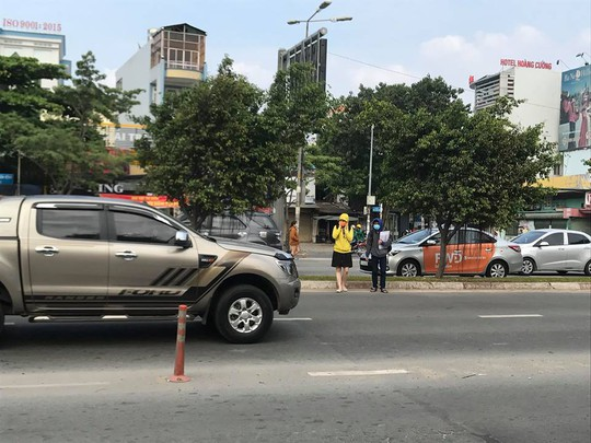 Người Sài Gòn ít biết đi bộ sai sẽ ngồi tù - Ảnh 1.
