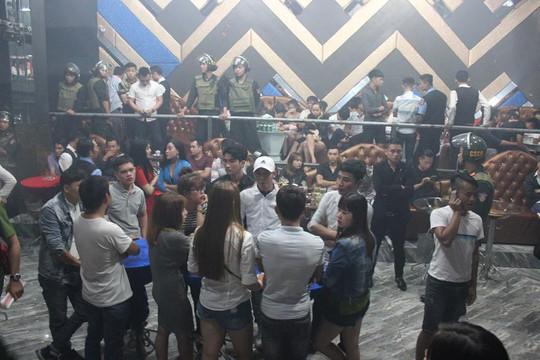 Mạnh tay với 1 quán bar nhiều tai tiếng ở Biên Hòa - Ảnh 1.