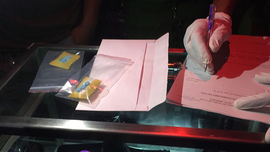 Đột kích quán bar, phát hiện giang hồ dương tính với ma túy - Ảnh 3.