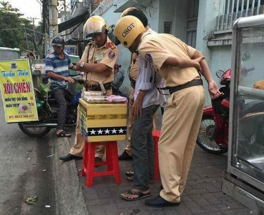 1.001 kiểu cổ vũ U23 Việt Nam