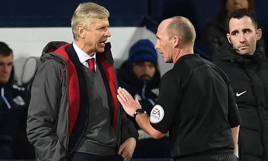Wenger nhận hung tin trước đại chiến Chelsea - Ảnh 1.