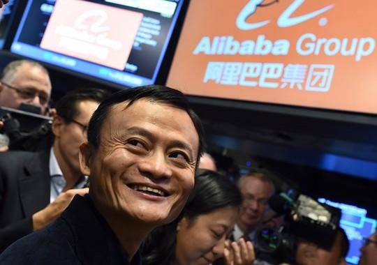 Ngoài Mercedes, các tỷ phú Trung Quốc đã đổ tiền vào đâu? - Ảnh 4.