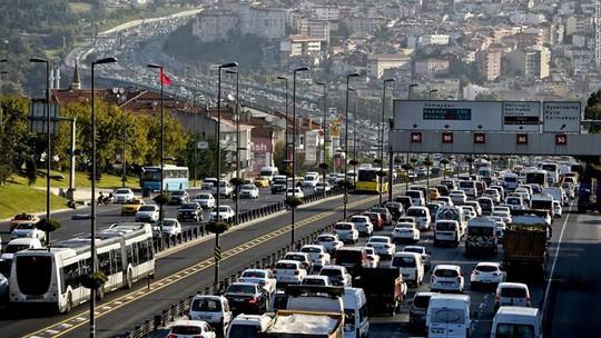Những thành phố tắc nghẽn giao thông kinh hoàng nhất thế giới - Ảnh 5.